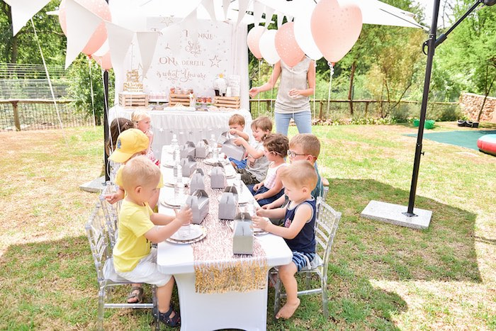 Rose Gold Twinkle Star Birthday Party on Kara's Party Ideas | KarasPartyIdeas.com (4)
