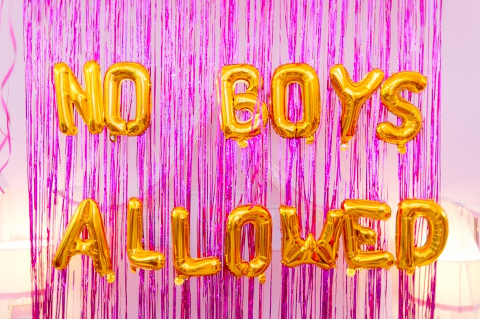 No Boys Allowed Balloon Backdrop from a Spa Day Birthday Party on Kara's Party Ideas | KarasPartyIdeas.com (14)