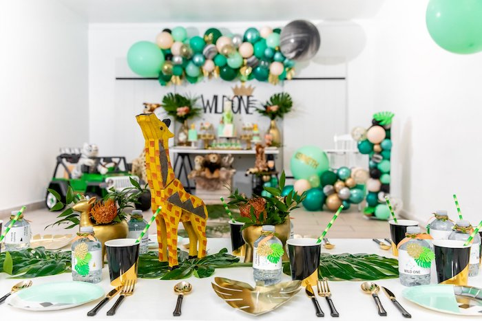 "Jungle Party Table from a Modern ""Wild One"" 1st on Kara's Party Ideas 