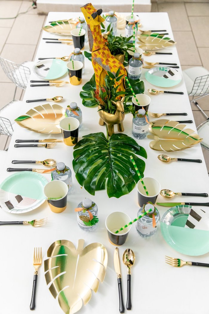 "Jungle Themed Guest Table from a Modern ""Wild One"" 1st on Kara's Party Ideas 