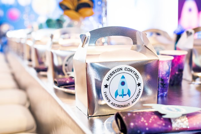 Silver Mission Control - Astronaut Gable Lunchbox from a Space Adventure Birthday Party on Kara's Party Ideas | KarasPartyIdeas.com (6)