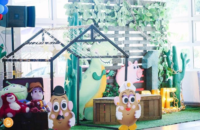 Backdrops + decor from a Toy Story Birthday Party on Kara's Party Ideas | KarasPartyIdeas.com (16)