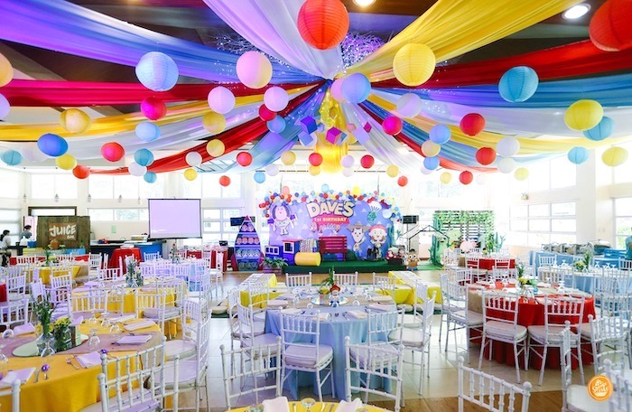 Guest tables + partyscape from a Toy Story Birthday Party on Kara's Party Ideas | KarasPartyIdeas.com (15)