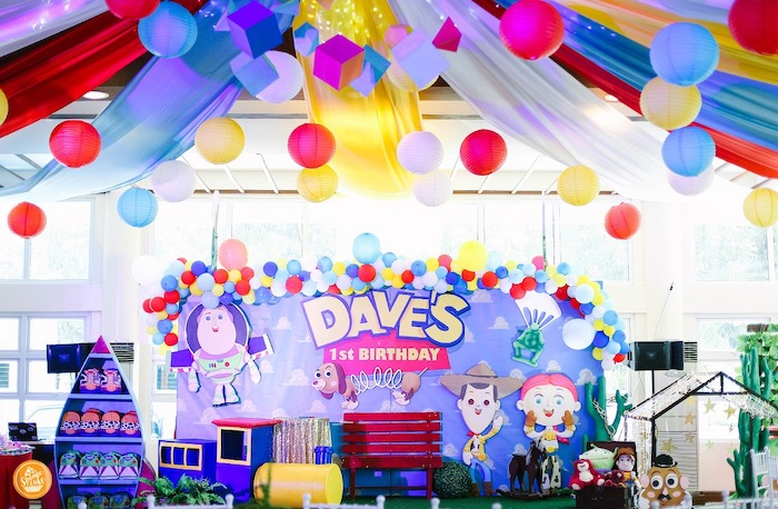 Toy Story Backdrop from a Toy Story Birthday Party on Kara's Party Ideas | KarasPartyIdeas.com (4)