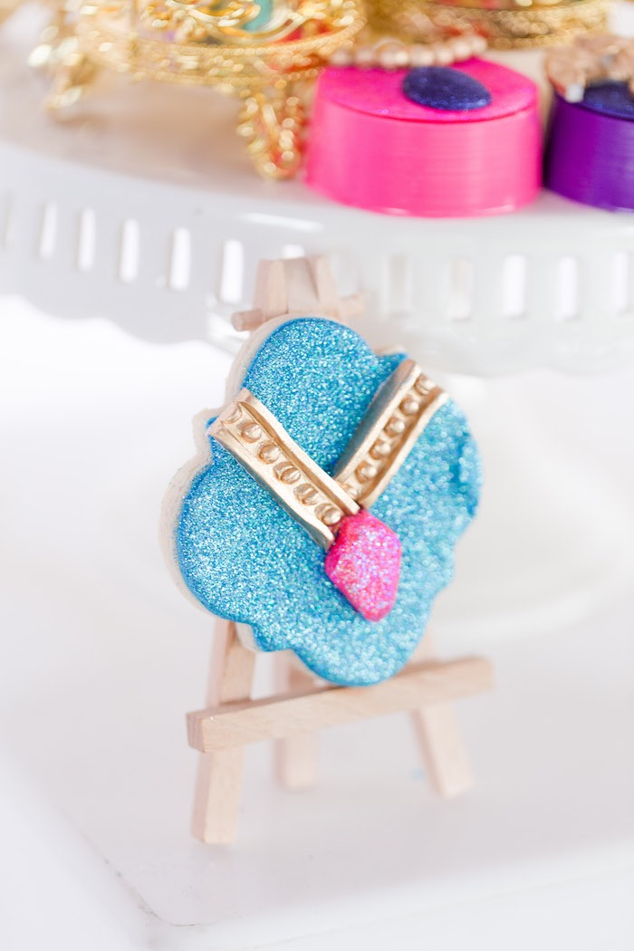 Amulet Cookie from a Shimmer & Shine Inspired Arabian Birthday Party on Kara's Party Ideas | KarasPartyIdeas.com (9)
