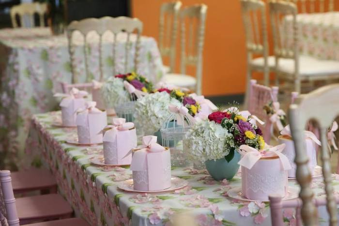 Guest Table from an Alice in Wonderland Tea Party on Kara's Party Ideas | KarasPartyIdeas.com (20)