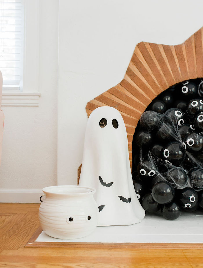 Ghost Decorations from a Classic Halloween Party for Kids on Kara's Party Ideas | KarasPartyIdeas.com (21)
