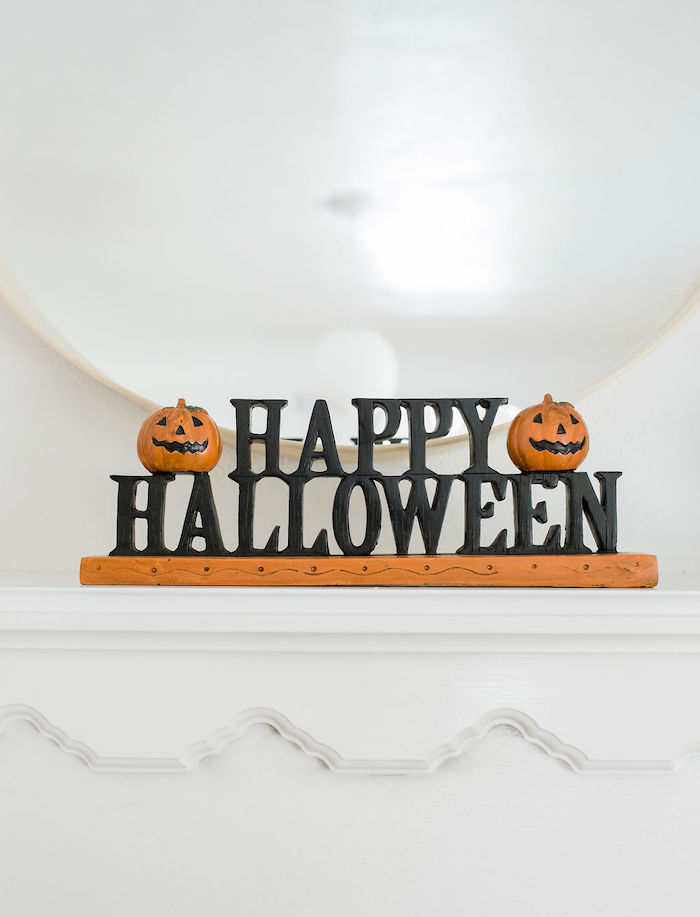 Happy Halloween Jack o' Lantern Sign from a Classic Halloween Party for Kids on Kara's Party Ideas | KarasPartyIdeas.com (12)