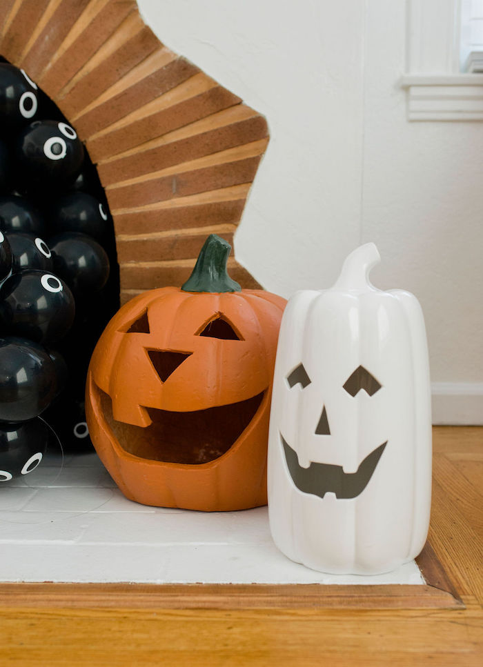 Jack o' Lanterns from a Classic Halloween Party for Kids on Kara's Party Ideas | KarasPartyIdeas.com (10)