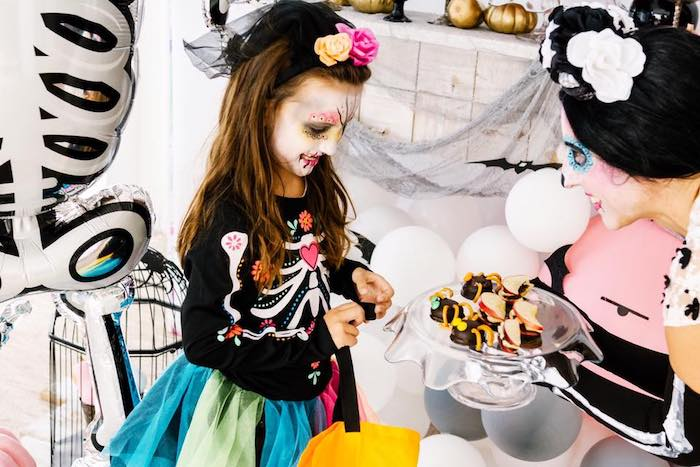 Day of the Dead Halloween Party on Kara's Party Ideas | KarasPartyIdeas.com (4)