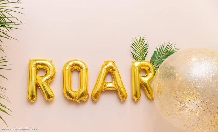 Roar Balloon Sign from a Girly Dino Soiree on Kara's Party Ideas | KarasPartyIdeas.com (11)