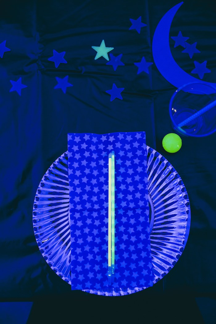 Space Themed Glow in the Dark Table Setting from an Outer Space Glow-in-the-Dark Birthday Party on Kara's Party Ideas | KarasPartyIdeas.com (14)