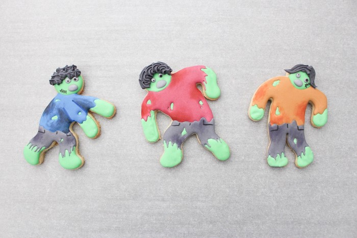 DIY Zombie Halloween Cookies on Kara's Party Ideas | KarasPartyIdeas.com (10)