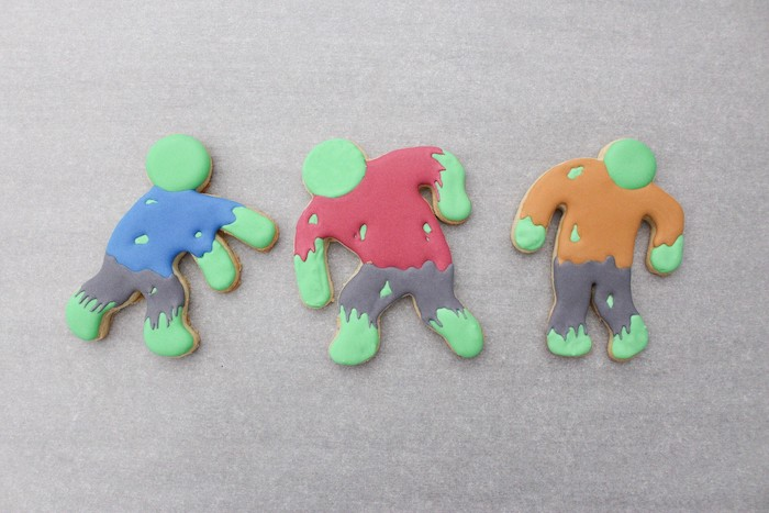 DIY Zombie Halloween Cookies on Kara's Party Ideas | KarasPartyIdeas.com (15)