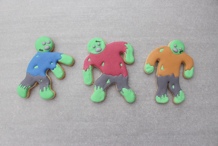 DIY Zombie Halloween Cookies on Kara's Party Ideas | KarasPartyIdeas.com (13)