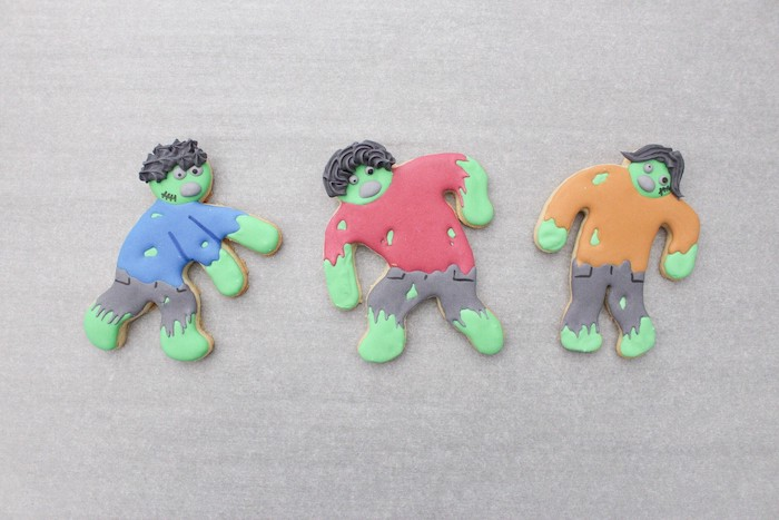 DIY Zombie Halloween Cookies on Kara's Party Ideas | KarasPartyIdeas.com (11)