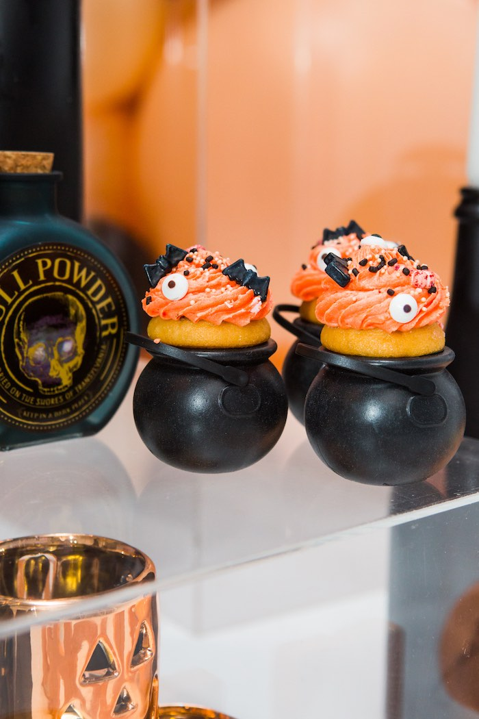 """Cauldron Cupcakes from a Glam """"Ghouls Squad"""" Halloween Party on Kara's Party Ideas 