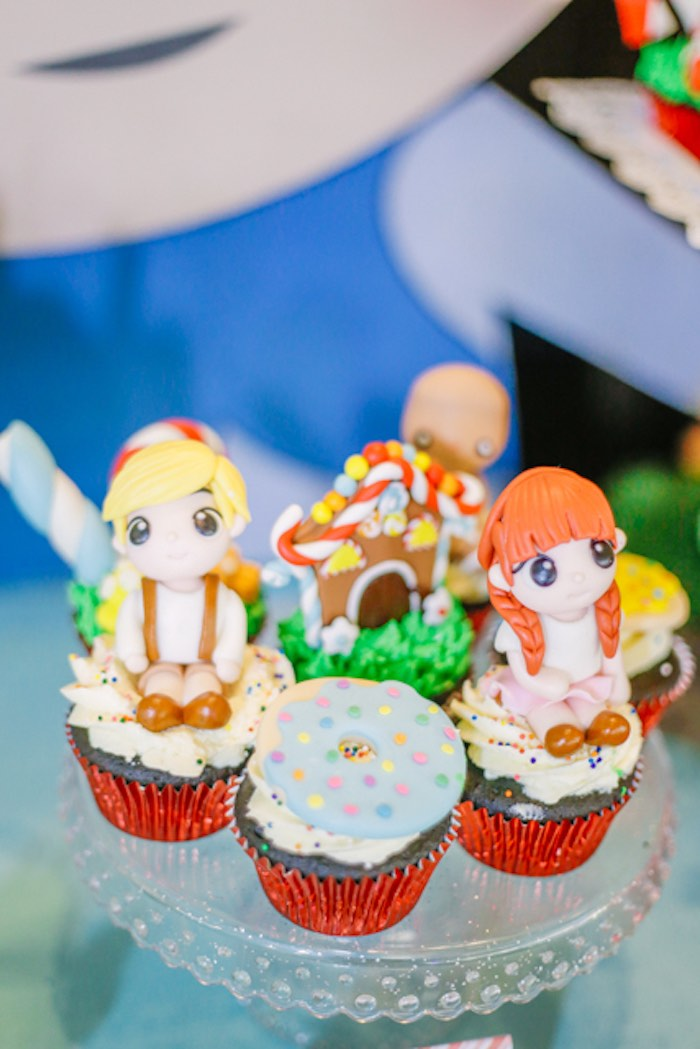 Hansel and Gretel-inspired Cupcakes from a Hansel & Gretel Inspired Birthday Party on Kara's Party Ideas | KarasPartyIdeas.com (9)