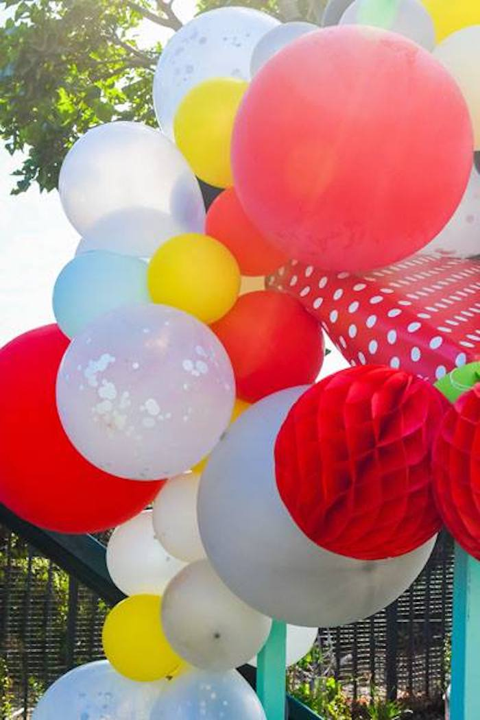 Balloon Garland from a Mary Poppins Birthday Party on Kara's Party Ideas | KarasPartyIdeas.com (85)