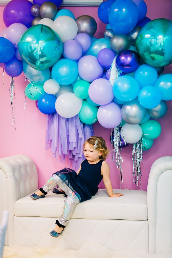 Balloon Photo Booth from a Modern Frozen Birthday Party on Kara's Party Ideas | KarasPartyIdeas.com (26)