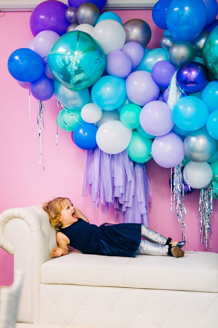 Balloon Photo Booth from a Modern Frozen Birthday Party on Kara's Party Ideas | KarasPartyIdeas.com (11)