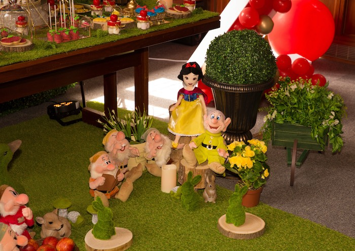 Seven Dwarf Enchanted Forest Props + Decor from a Snow White Birthday Party on Kara's Party Ideas | KarasPartyIdeas.com (17)