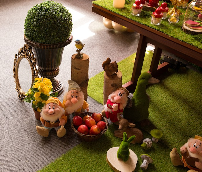 Seven Dwarf Enchanted Forest Decor from a Snow White Birthday Party on Kara's Party Ideas | KarasPartyIdeas.com (15)