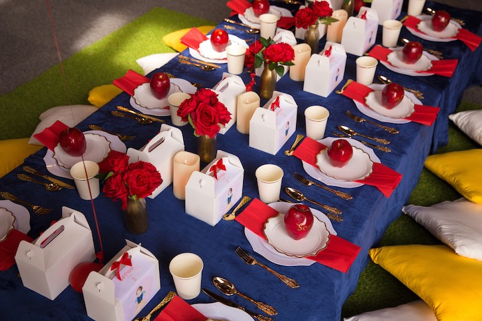 Snow White Themed Guest Tablescape from a Snow White Birthday Party on Kara's Party Ideas | KarasPartyIdeas.com (8)