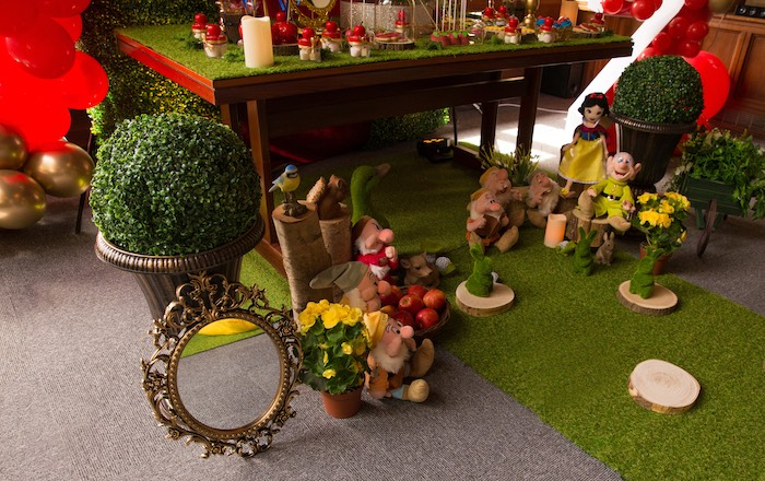 Enchanted Forest Decor from a Snow White Birthday Party on Kara's Party Ideas | KarasPartyIdeas.com (19)