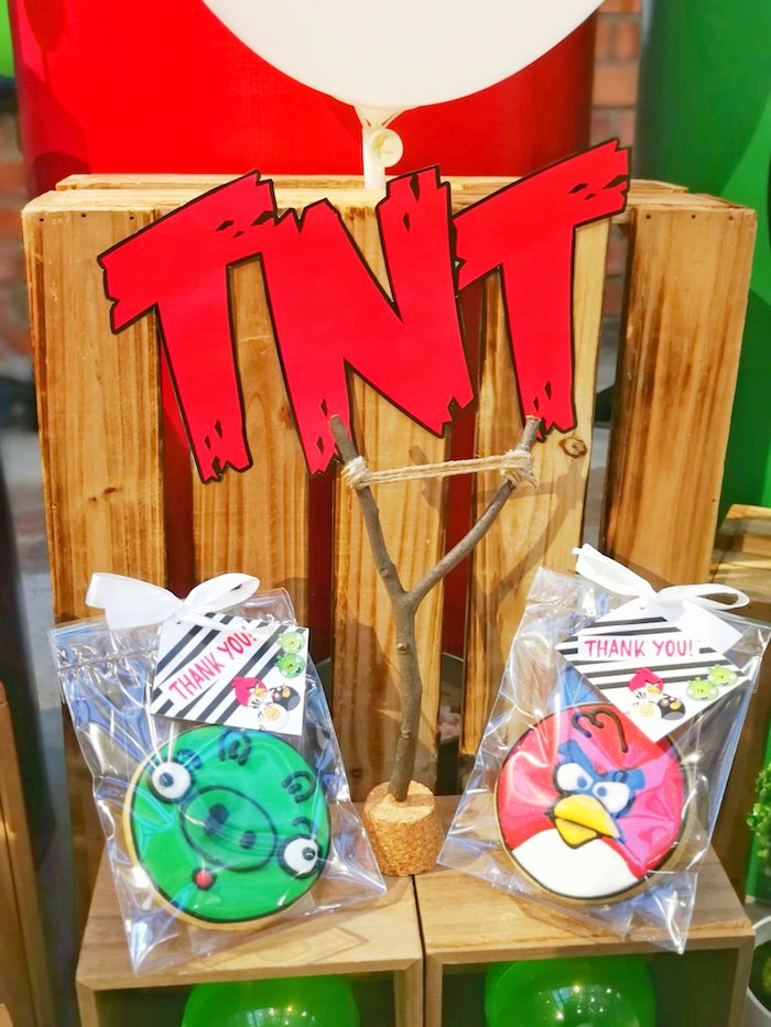 Angry Bird Cookie Favors from an Angry Birds Birthday Party on Kara's Party Ideas | KarasPartyIdeas.com (7)