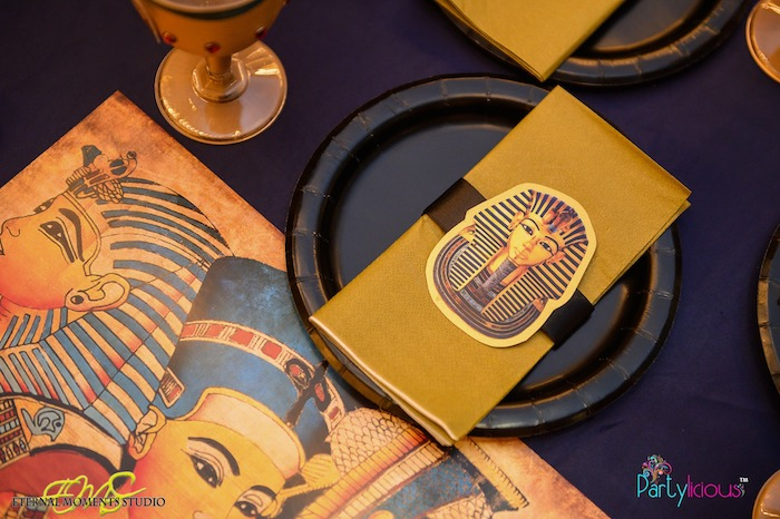 Pharaoh Napkin Plate + Table Setting from an Egyptian Themed Birthday Party on Kara's Party Ideas | KarasPartyIdeas.com (11)