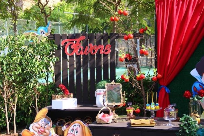 Snow White Birthday Party on Kara's Party Ideas | KarasPartyIdeas.com (10)