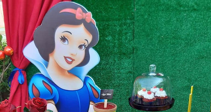 Snow White Birthday Party on Kara's Party Ideas | KarasPartyIdeas.com (2)