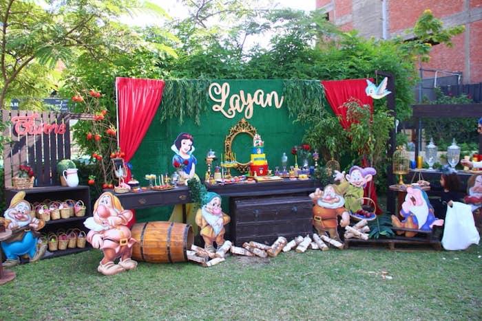 Snow White Birthday Party on Kara's Party Ideas | KarasPartyIdeas.com (13)