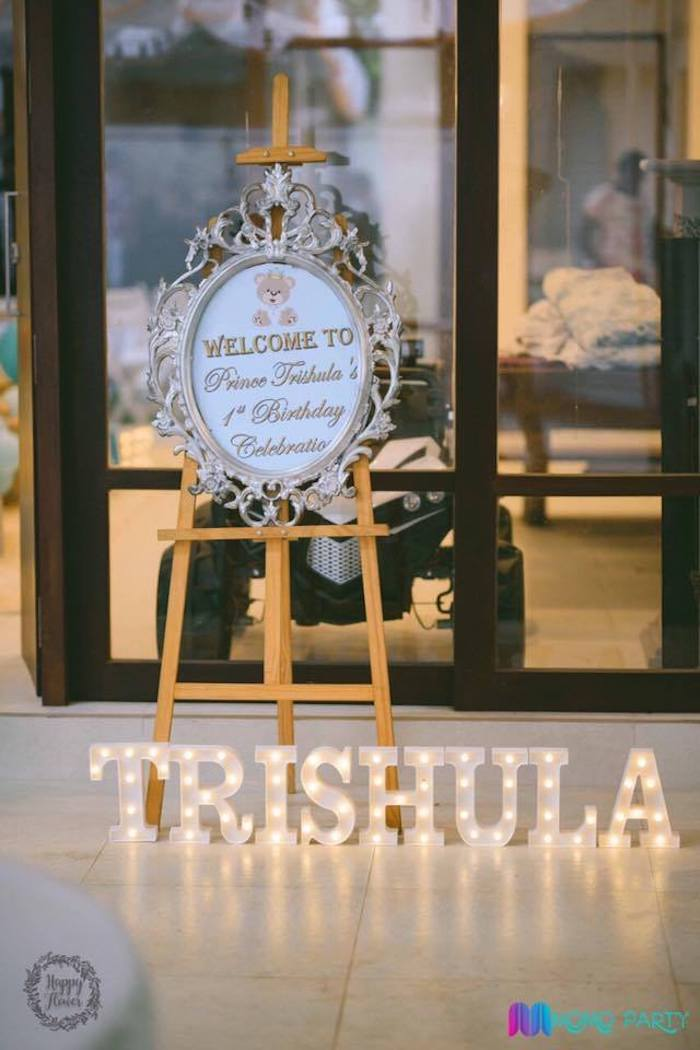 Welcome Sign from a Teddy Bear Prince Birthday Party on Kara's Party Ideas | KarasPartyIdeas.com (19)
