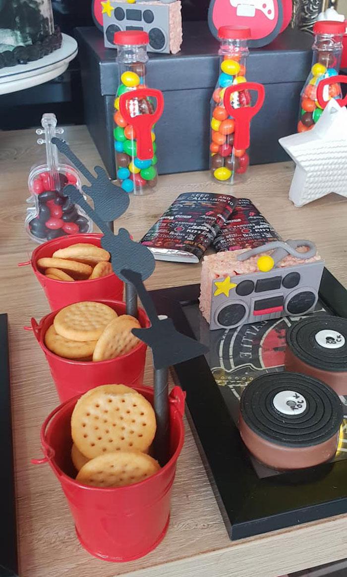 "Cracker Buckets/Jukebox Krispie Treat/ Record Oreos from a ""Born to Rock"" Birthday Party on Kara's Party Ideas   KarasPartyIdeas.com (10)"