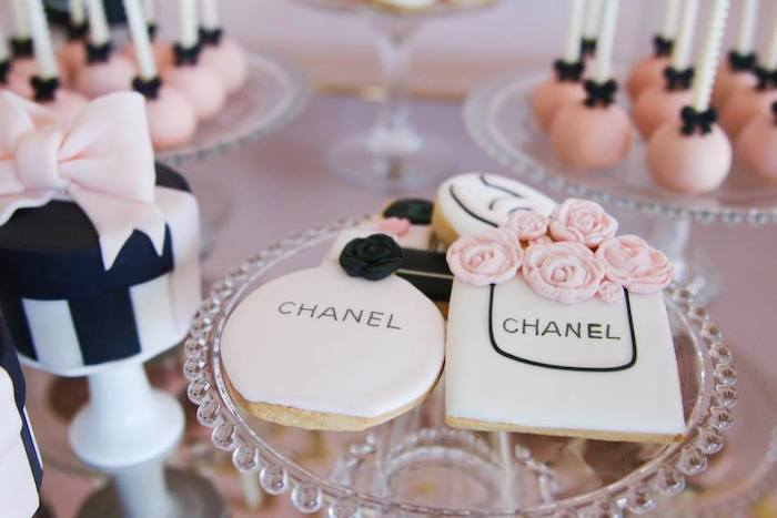 Chanel Themed Sugar Cookies from a Chanel Inspired Sweet 15 Birthday Party on Kara's Party Ideas | KarasPartyIdeas.com (12)