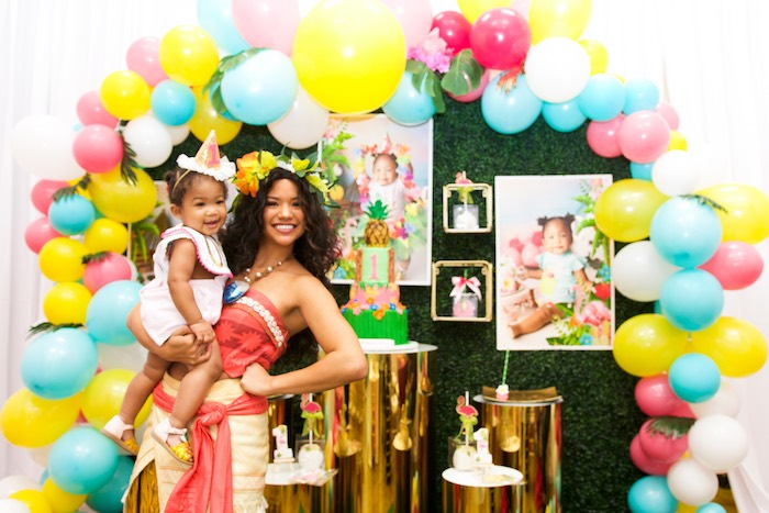 First Birthday Luau on Kara's Party Ideas | KarasPartyIdeas.com (7)