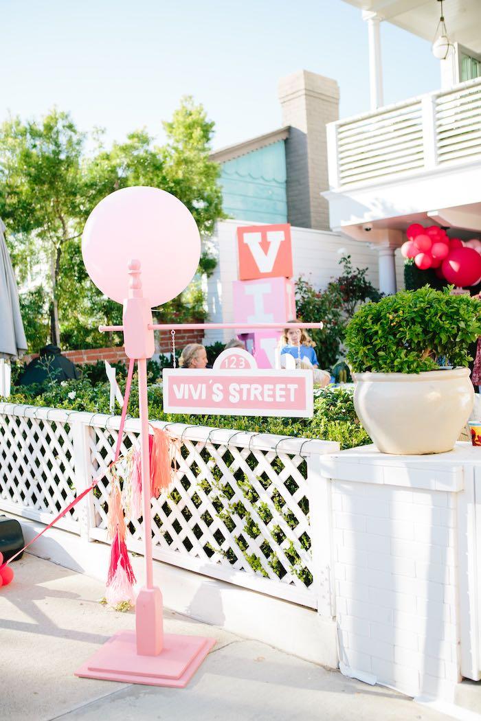 Custom Balloon Post Sesame Street Sign from a Girly Elmo Birthday Party on Kara's Party Ideas   KarasPartyIdeas.com (18)