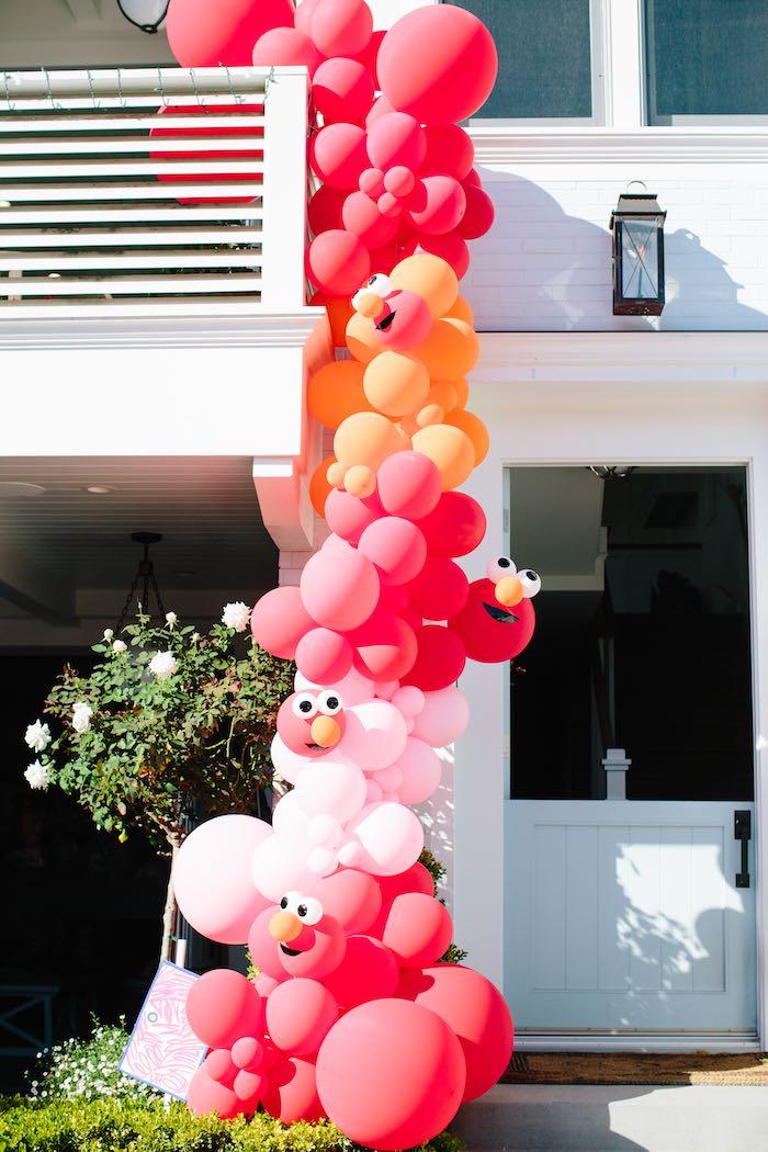 Elmo Balloon Garland + Install from a Girly Elmo Birthday Party on Kara's Party Ideas   KarasPartyIdeas.com (35)