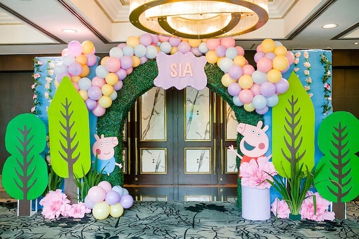 Peppa Pig Entrance Arch from a Peppa Pig Birthday Party on Kara's Party Ideas | KarasPartyIdeas.com (22)
