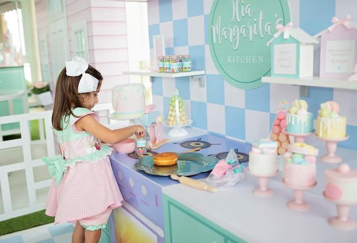 Dollhouse + Pastry Shop Birthday Party on Kara's Party Ideas | KarasPartyIdeas.com (26)