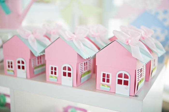 Dollhouse Favor Boxes from a Dollhouse + Pastry Shop Birthday Party on Kara's Party Ideas | KarasPartyIdeas.com (31)