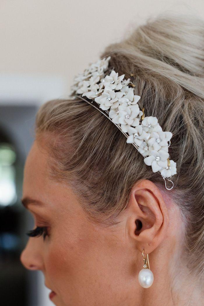 White Floral Hair Comb from a Melbourne City Wedding on Kara's Party Ideas | KarasPartyIdeas.com (20)