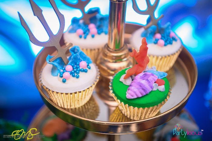 Under the Sea Cupcakes from an Aquaman and Princess Mera Birthday Party on Kara's Party Ideas | KarasPartyIdeas.com (30)