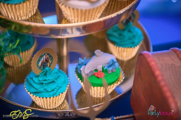 Under the Sea Cupcakes from an Aquaman and Princess Mera Birthday Party on Kara's Party Ideas | KarasPartyIdeas.com (16)