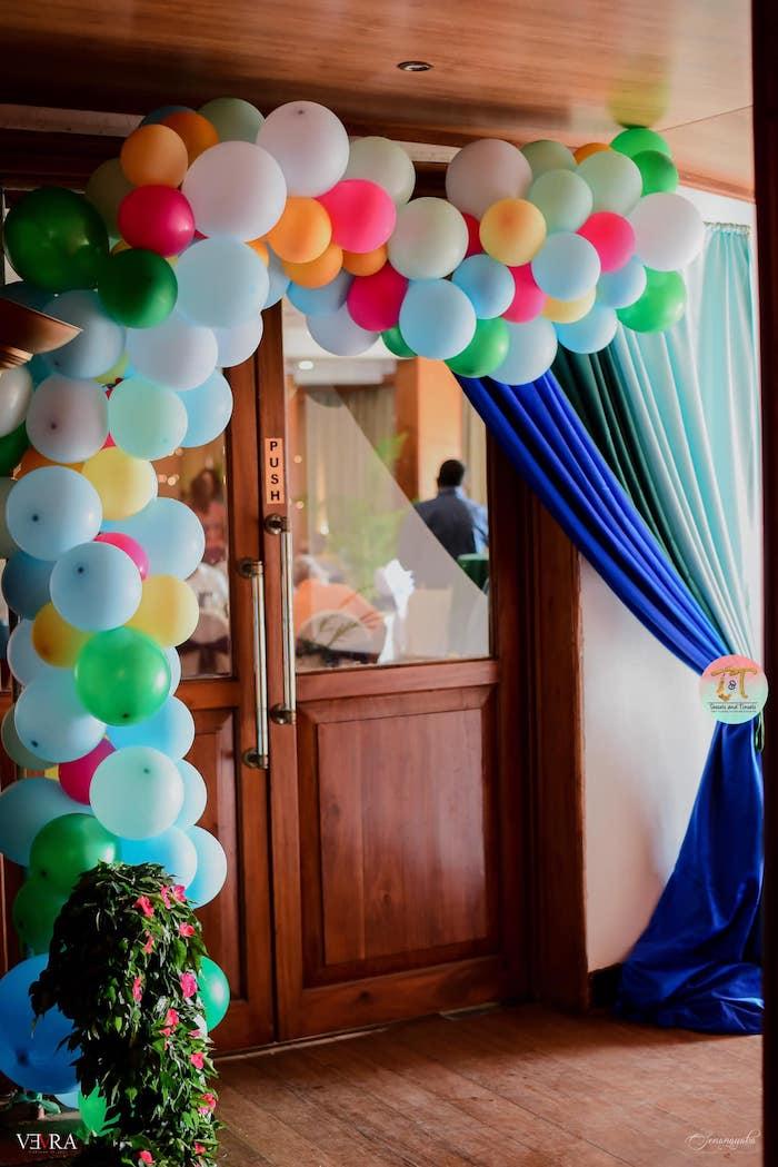 Tropical Balloon Garland from a Moana Birthday Party on Kara's Party Ideas | KarasPartyIdeas.com (25)