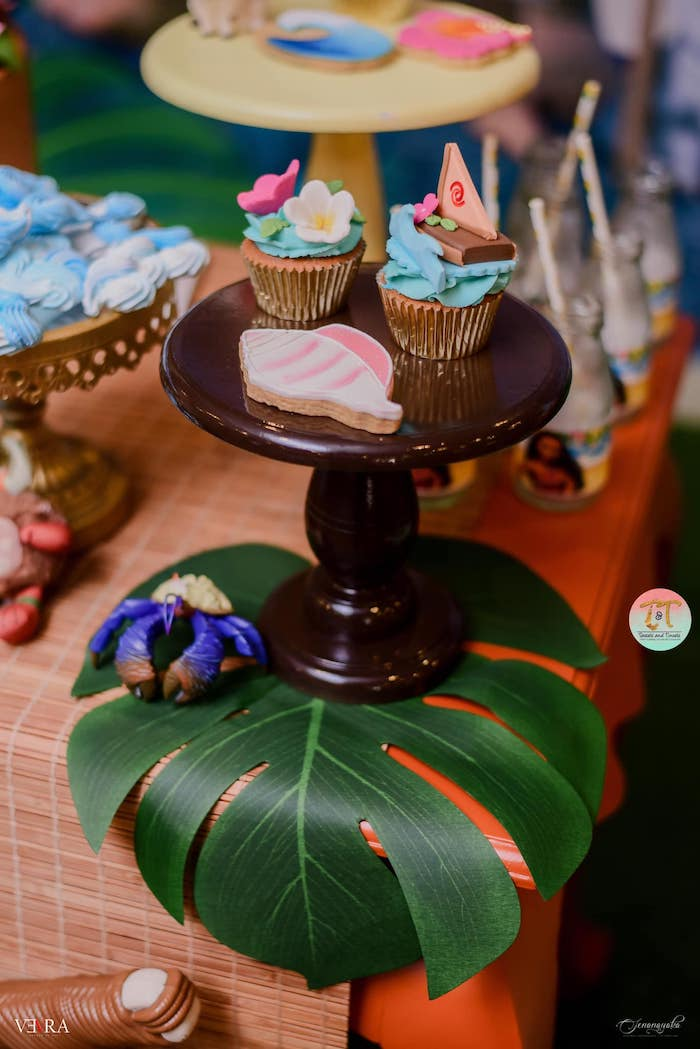 Dessert Pedestal atop a Monstera/Tropical Plant Leaf from a Moana Birthday Party on Kara's Party Ideas | KarasPartyIdeas.com (21)