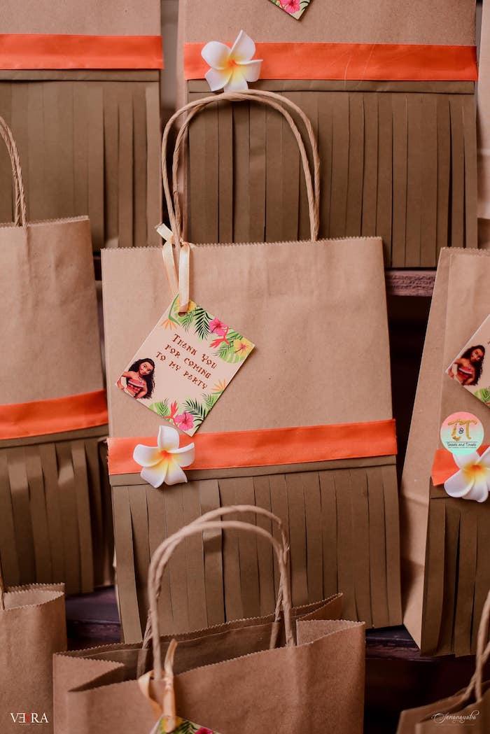 Moana-inspired Gift Bags from a Moana Birthday Party on Kara's Party Ideas | KarasPartyIdeas.com (41)