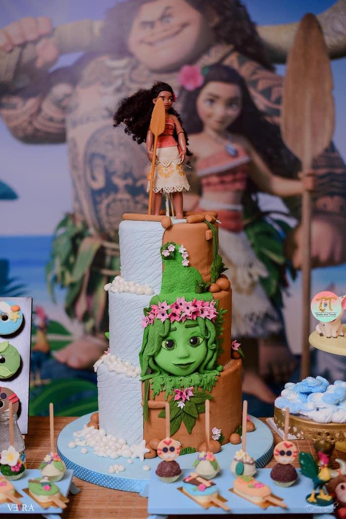 Moana Themed Birthday Cake from a Moana Birthday Party on Kara's Party Ideas | KarasPartyIdeas.com (39)